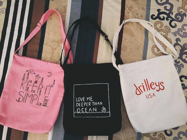 túi vải totebag là một item không thể thiếu trong bộ sưu tập thời trang của quý cô - 1